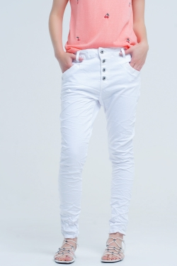 Boyfriend white jeans with wrinkles