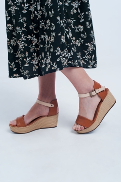 Strappy espadrille wedge sandals in camel